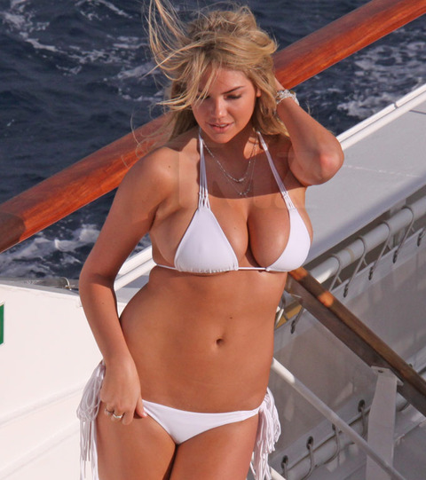 Kate-Upton-bikini-photoshoot-Antarctica-Kanoni-tv-2