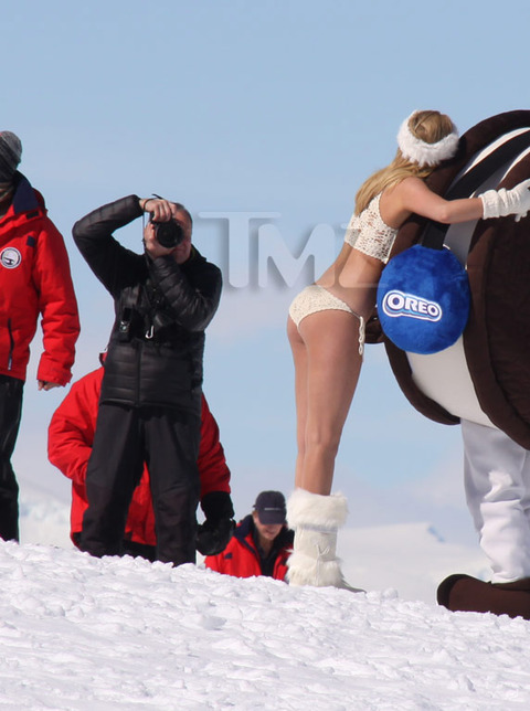 Kate-Upton-bikini-photoshoot-Antarctica-Kanoni-tv-9