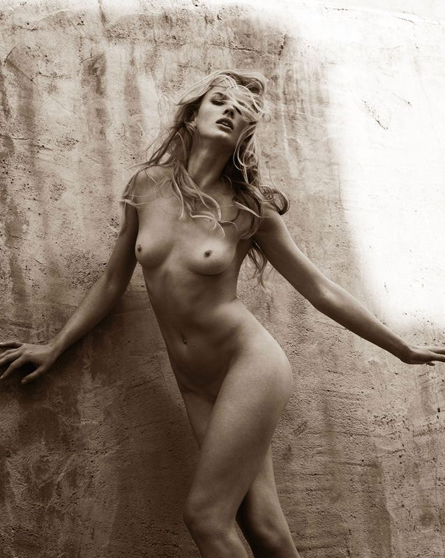 Anne-Vyalitsyna-super-model-naked-kanoni-1