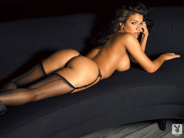vida-guerra-classic-topless-in-playboy-magazine-kanoni-01