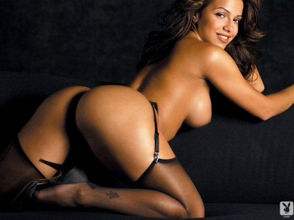 vida-guerra-classic-topless-in-playboy-magazine-kanoni-03