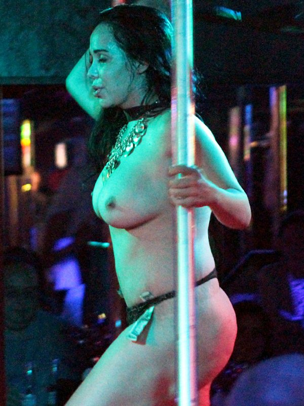Octomom-Nadya-Suleman-Topless-Striptease-Strip-Club-Miami-kanoni-tv-02