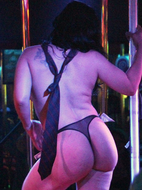 Octomom-Nadya-Suleman-Topless-Striptease-Strip-Club-Miami-kanoni-tv-03