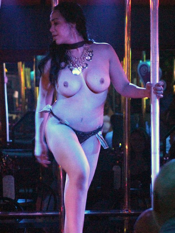 Octomom-Nadya-Suleman-Topless-Striptease-Strip-Club-Miami-kanoni-tv-06