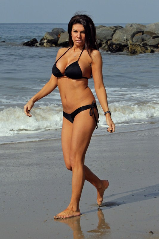 **EXCLUSIVE** Pia Rizza of 'Mob Wives Chicago' shows off her bikini body while relaxing on the beach in Los Angeles