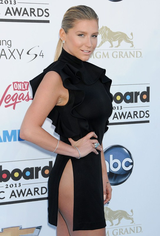 Kesha-at-2013-Billboard-Music-Awards-in-Las-Vegas-kanoni-tv-1