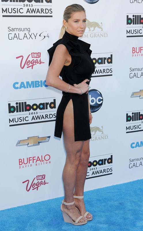 Kesha-at-2013-Billboard-Music-Awards-in-Las-Vegas-kanoni-tv-2