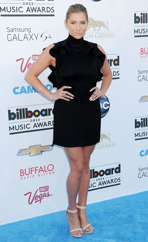 Kesha-at-2013-Billboard-Music-Awards-in-Las-Vegas-kanoni-tv-5