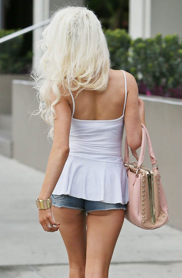 Courtney Stodden walking with a friend on Robertson Boulevard