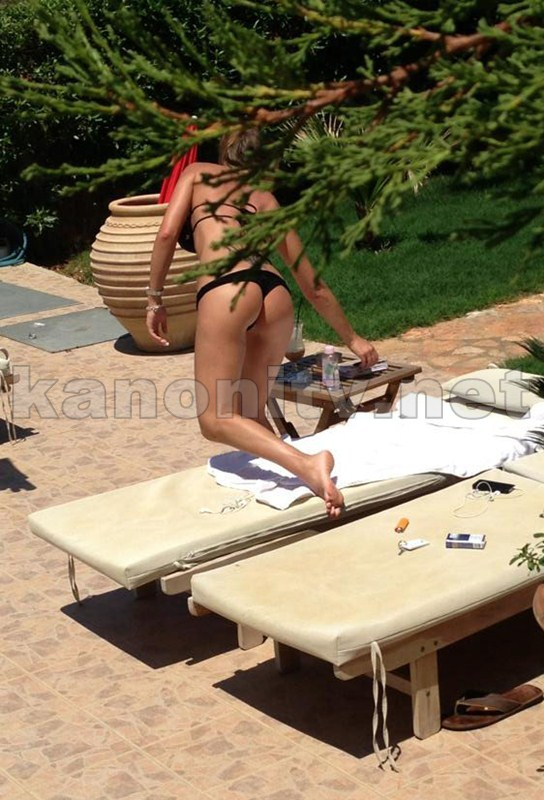 Marina_Sazi_Paparazzi_Shots_Pool_Crete_Kanoni_tv_01
