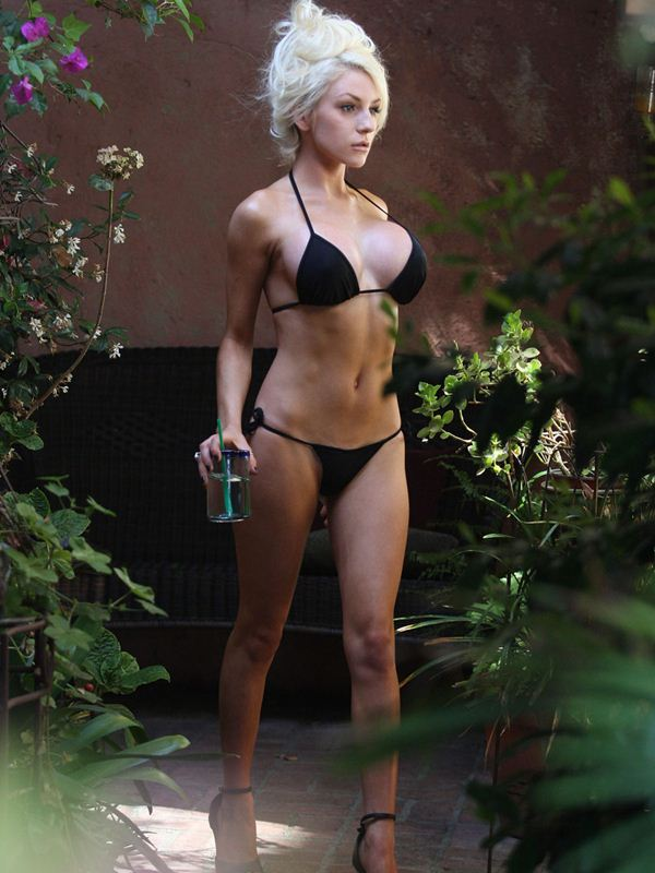 courtney-stodden-black-bikini-new-boobs-kanoni-tv-01