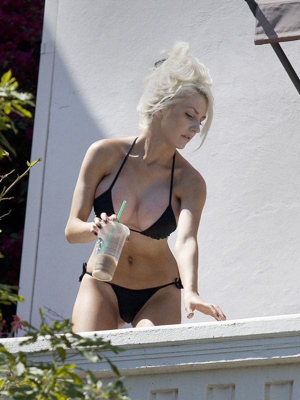 courtney-stodden-black-bikini-new-boobs-kanoni-tv-07