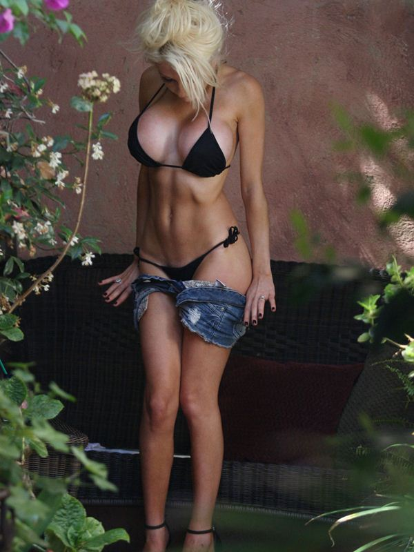 courtney-stodden-black-bikini-new-boobs-kanoni-tv-09
