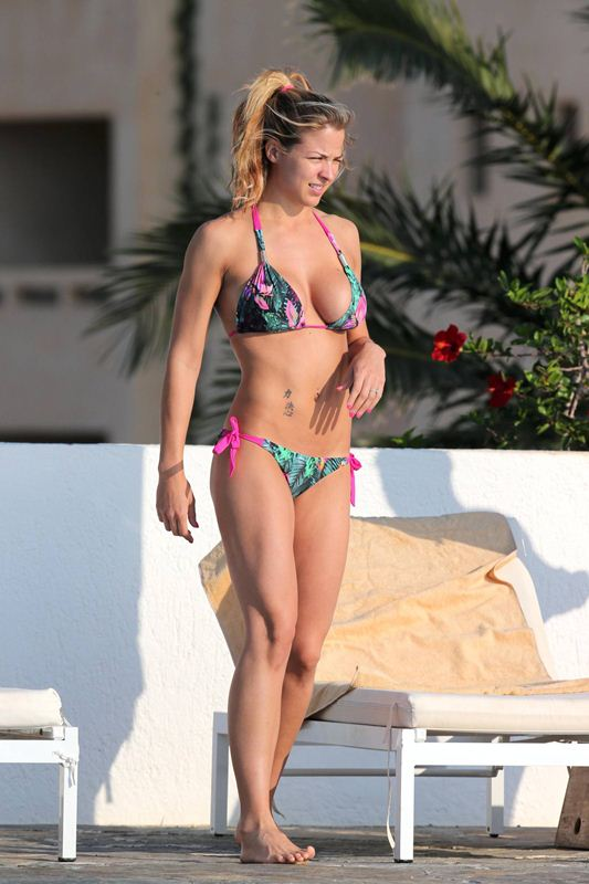 Gemma-Atkinson-vacations-spain-mediterranean-kanoni-2