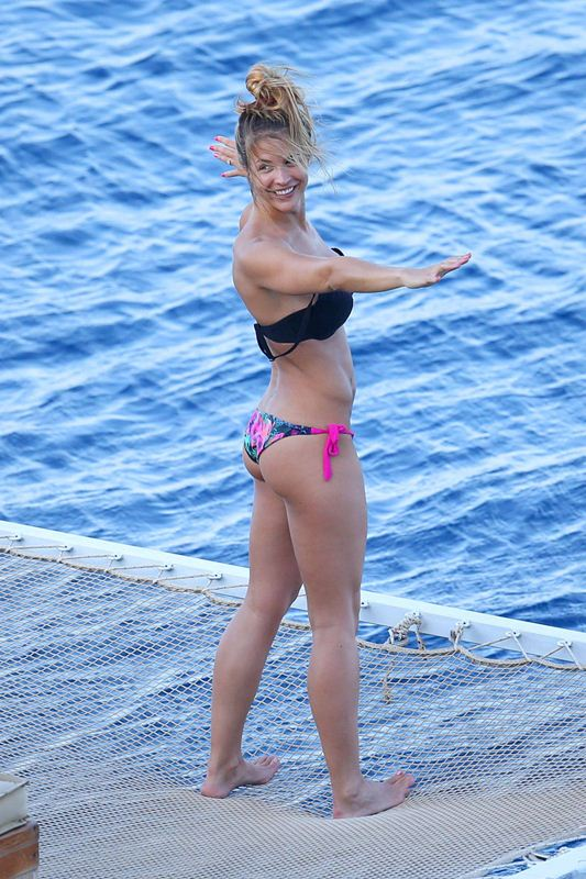 Gemma-Atkinson-vacations-spain-mediterranean-kanoni-9