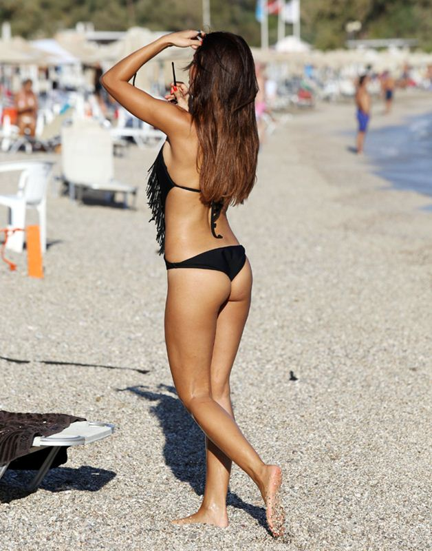 Vaso-Vilegas-black-swimsuit-kanoni-2