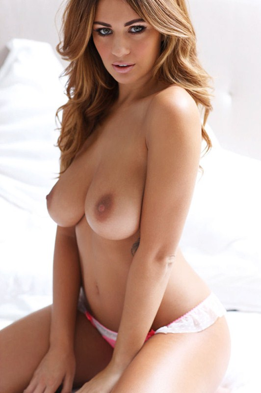 Holly_Peers_Topless_Hot_White_Lingerie_Kanoni_7