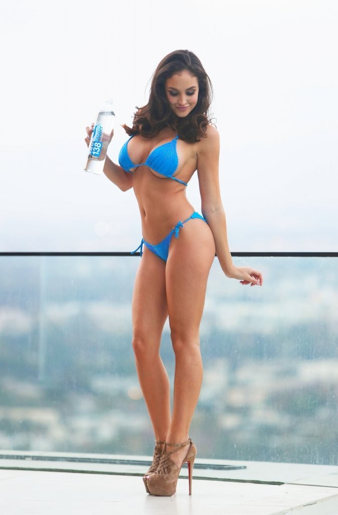Jaclyn_Swedberg_Sexy_Photoshoot_Blue_Bikini_California_Kanoni_4