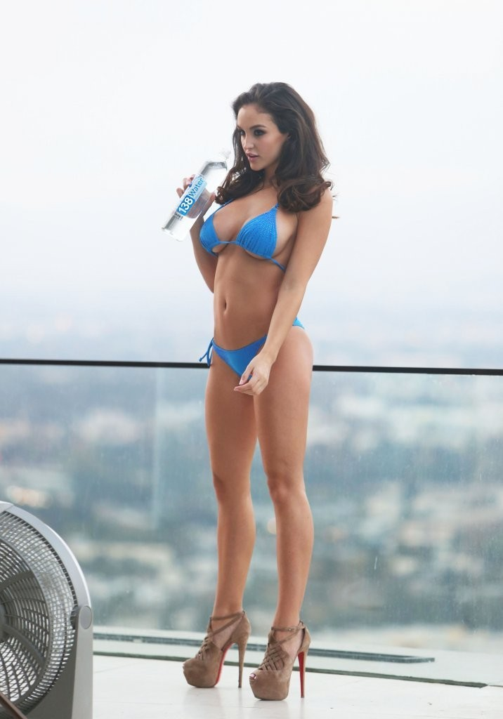 Jaclyn_Swedberg_Sexy_Photoshoot_Blue_Bikini_California_Kanoni_6