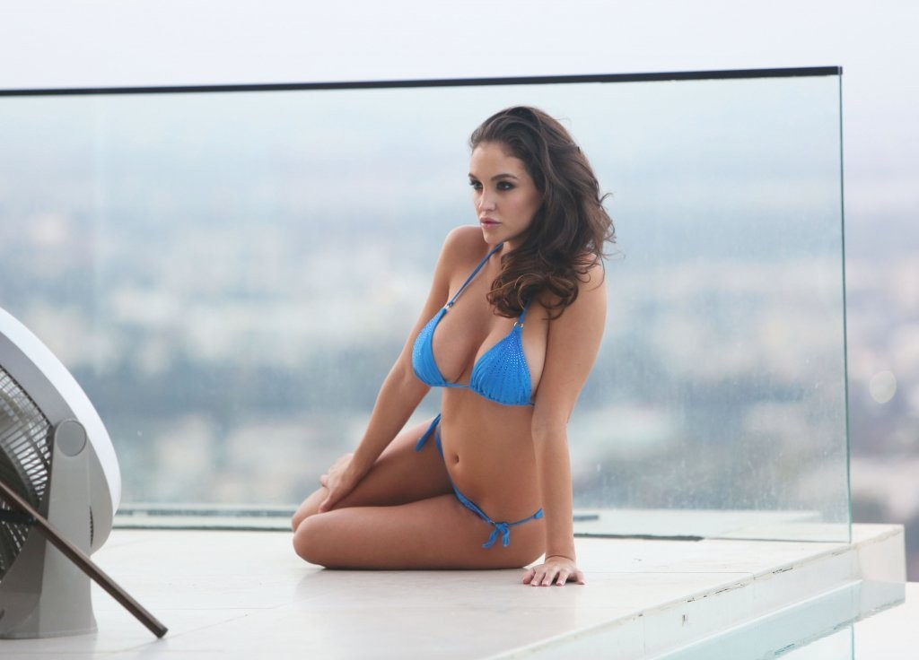 Jaclyn_Swedberg_Sexy_Photoshoot_Blue_Bikini_California_Kanoni_8