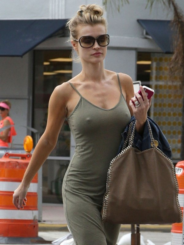 Joanna-Krupa-excited-out-in-miami-kanoni-7