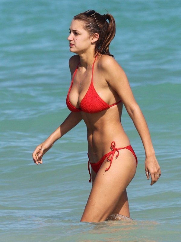 alyssa-arce-red-bikini-miami-beach-kanoni-2