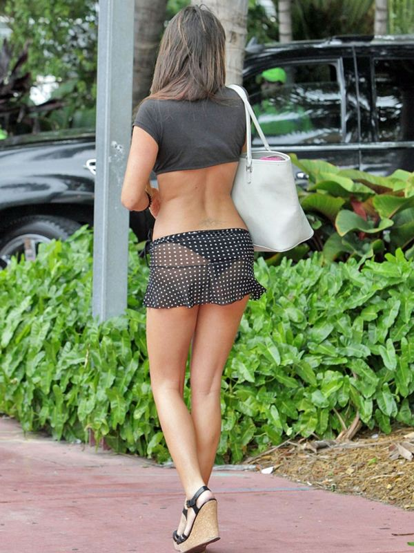 claudia-romani-butt-thong-see-through-skirt-miami-kanoni-5