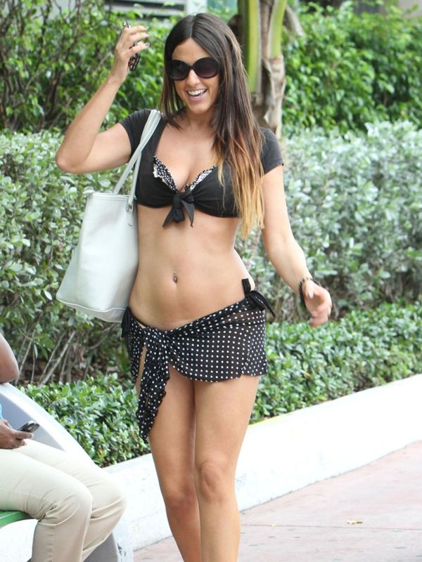 claudia-romani-butt-thong-see-through-skirt-miami-kanoni-7