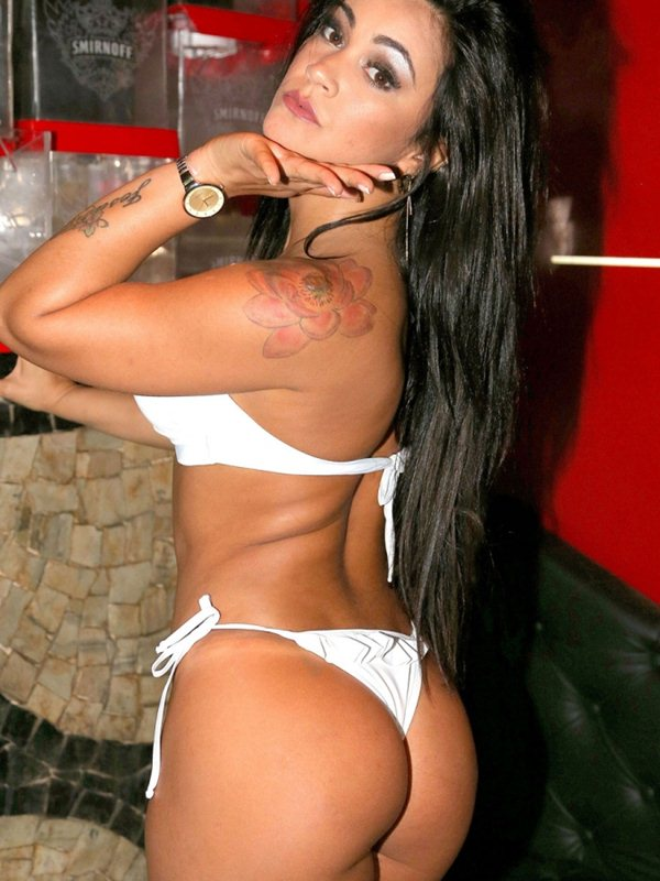 tati-neves-white-bikini-high-heels-photoshoot-kanoni-5