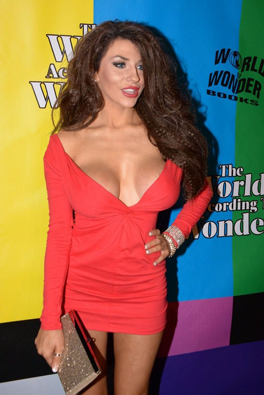 courtney-stodden-at-wolrd-of-wonder-s-1st-wowiw-awards-in-los-angeles-kanoni-4