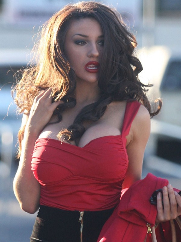 courtney-stodden-brunette-shopping-los-angeles-kanoni-11