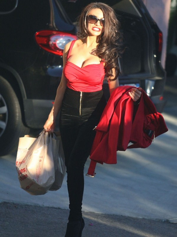 courtney-stodden-brunette-shopping-los-angeles-kanoni-12