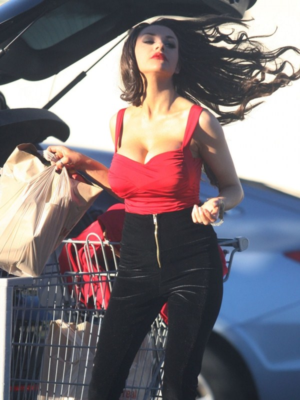 courtney-stodden-brunette-shopping-los-angeles-kanoni-7