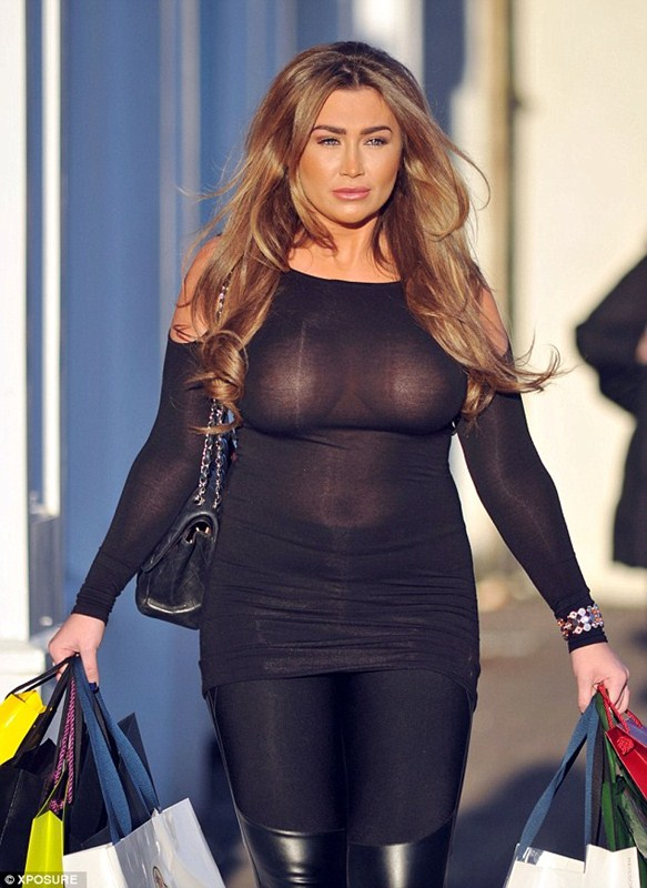 Lauren-Goodger-See-through-Braless-shopping-London-Kanoni-1