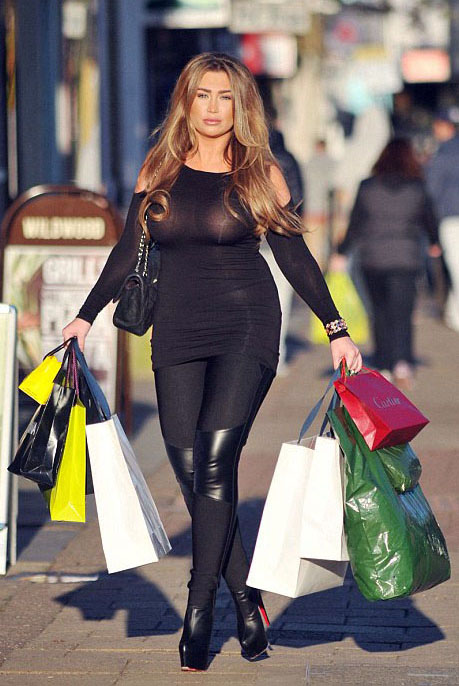 Lauren-Goodger-See-through-Braless-shopping-London-Kanoni-3