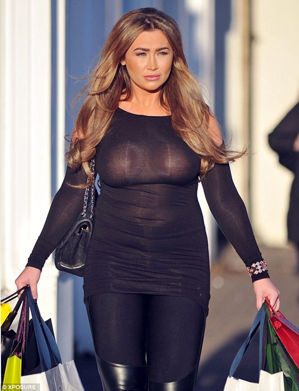 Lauren-Goodger-See-through-Braless-shopping-London-Kanoni-5
