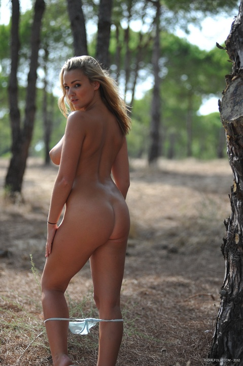 jodie-gasson-nude-at-forest-kanoni-10 | KANONI NET