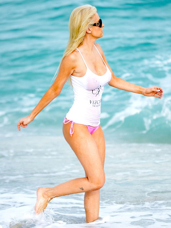Exclusive... Ana Braga Shows Off Her Bikini Body