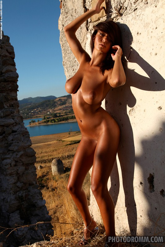 Ela-Savanas-Naked-Sunset-View-Kanoni-10