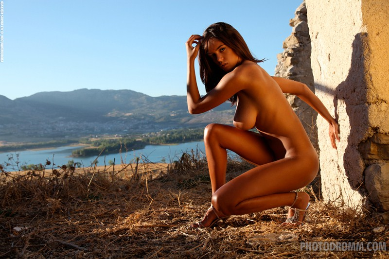 Ela-Savanas-Naked-Sunset-View-Kanoni-11