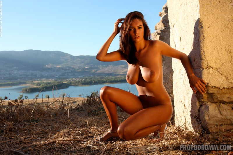 Ela-Savanas-Naked-Sunset-View-Kanoni-12