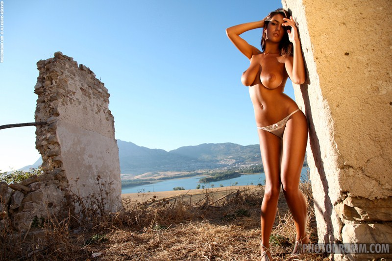 Ela-Savanas-Naked-Sunset-View-Kanoni-3