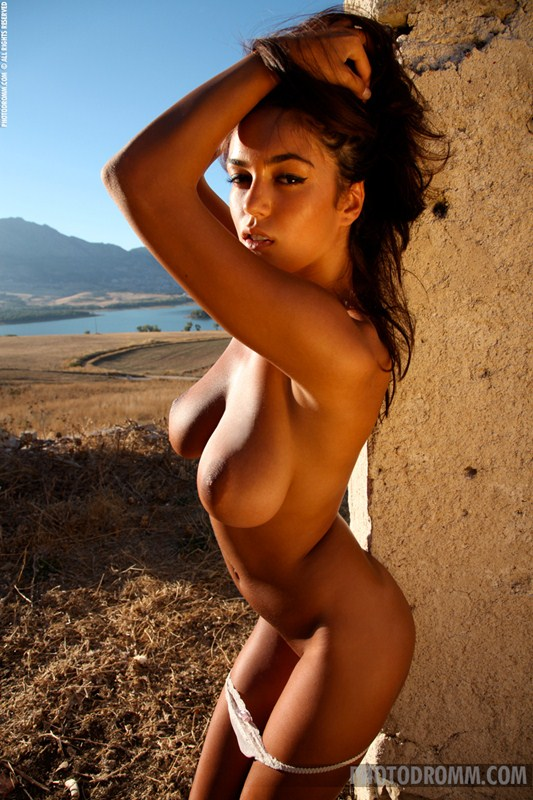Ela-Savanas-Naked-Sunset-View-Kanoni-6