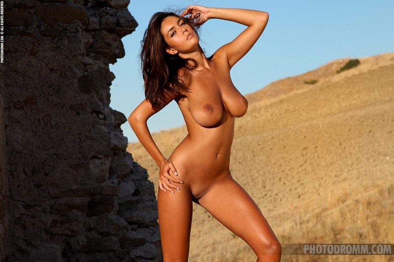 Ela-Savanas-Naked-Sunset-View-Kanoni-9