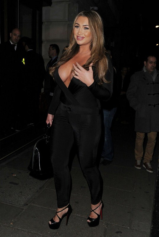 Lauren-Goodger-Cleavage-Mayfair-Night-London-Kanoni-3