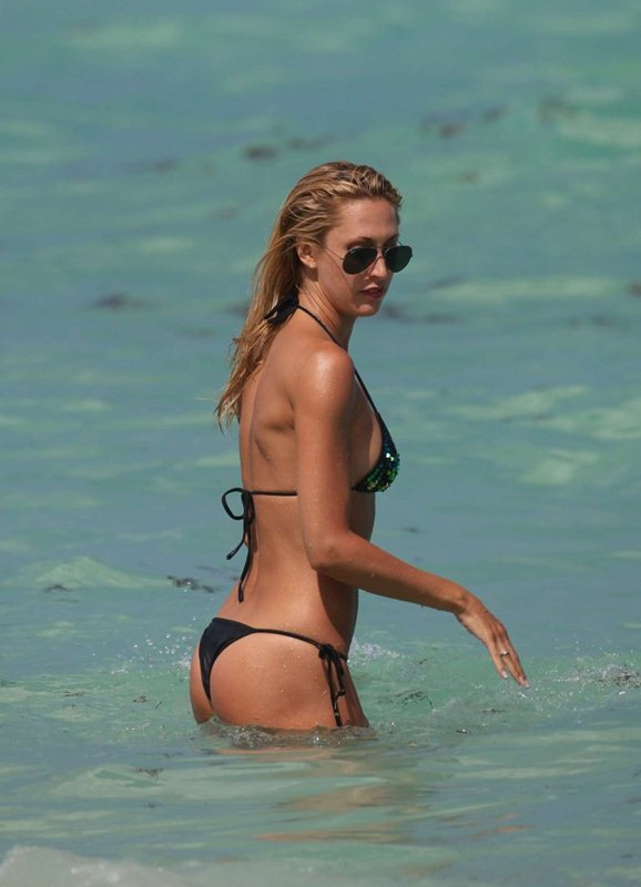 Lauren-Stoner-in-Bikini-in-Miami-Beach-Kanoni-5