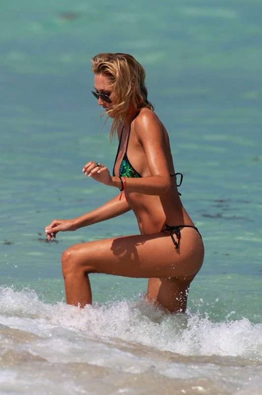 Lauren-Stoner-in-Bikini-in-Miami-Beach-Kanoni-7