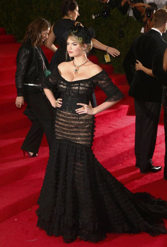 "Model Kate Upton arrives at the Metropolitan Museum of Art Costume Institute Gala Benefit celebrating the opening of ""Charles James: Beyond Fashion"" in New York"
