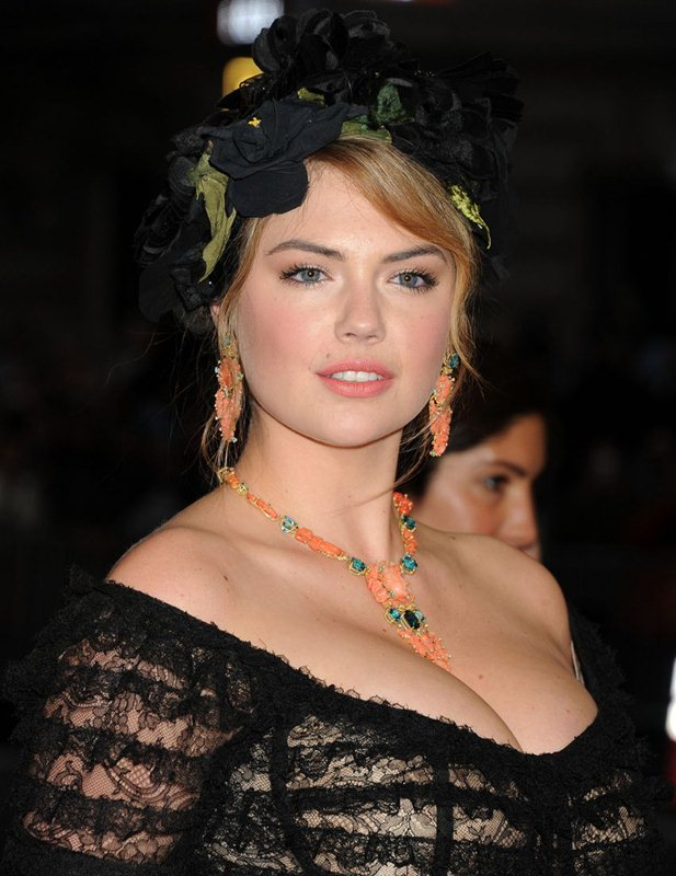 Kate-Upton-Met-Gala-2014-New-York-Kanoni-7