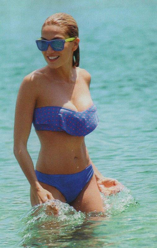 elena_papavasileiou_bikini_grand_resort_lagonisi_kanoni_2